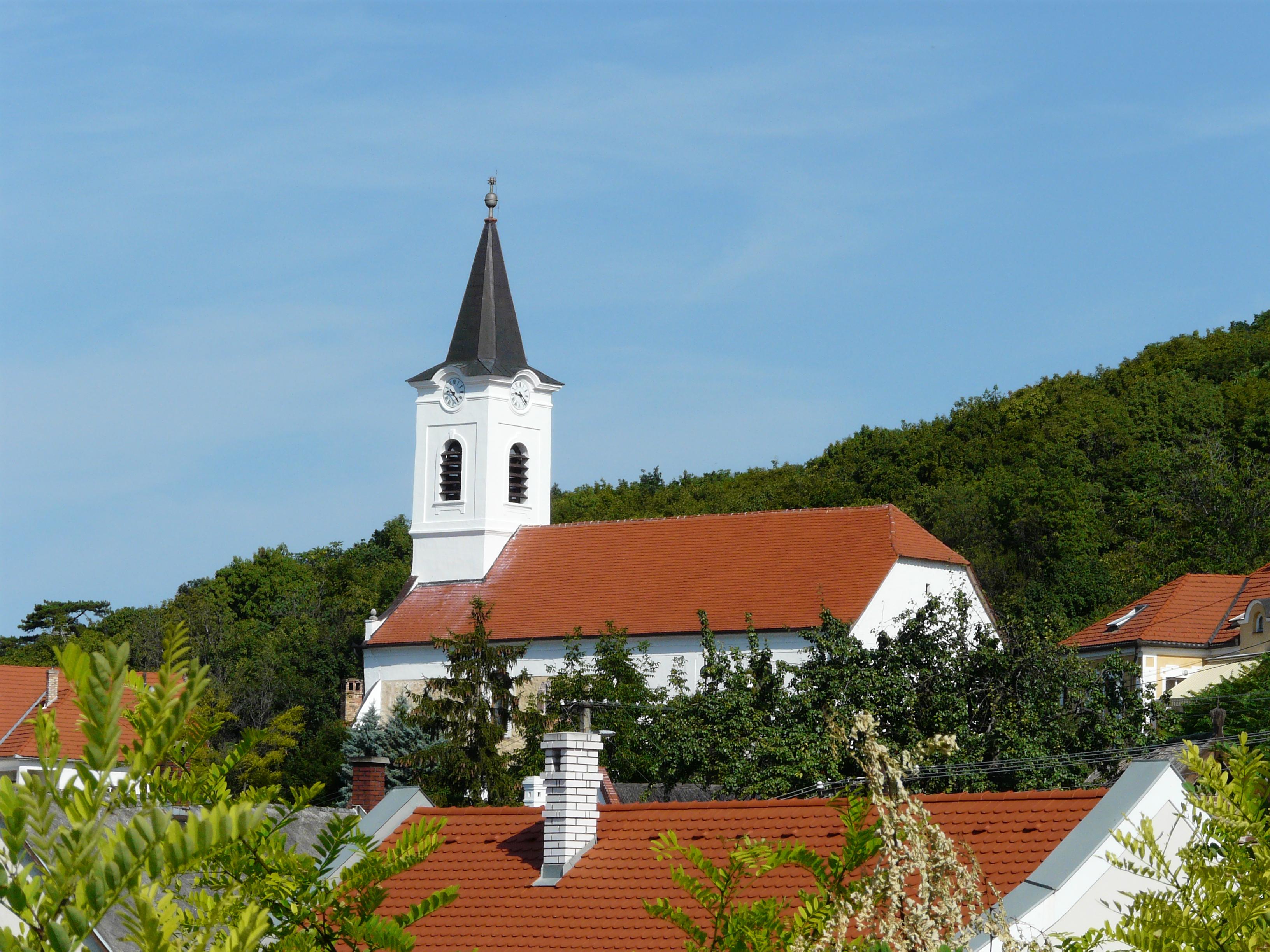 Képtalálatok a következőre: alsóörs református templom képek