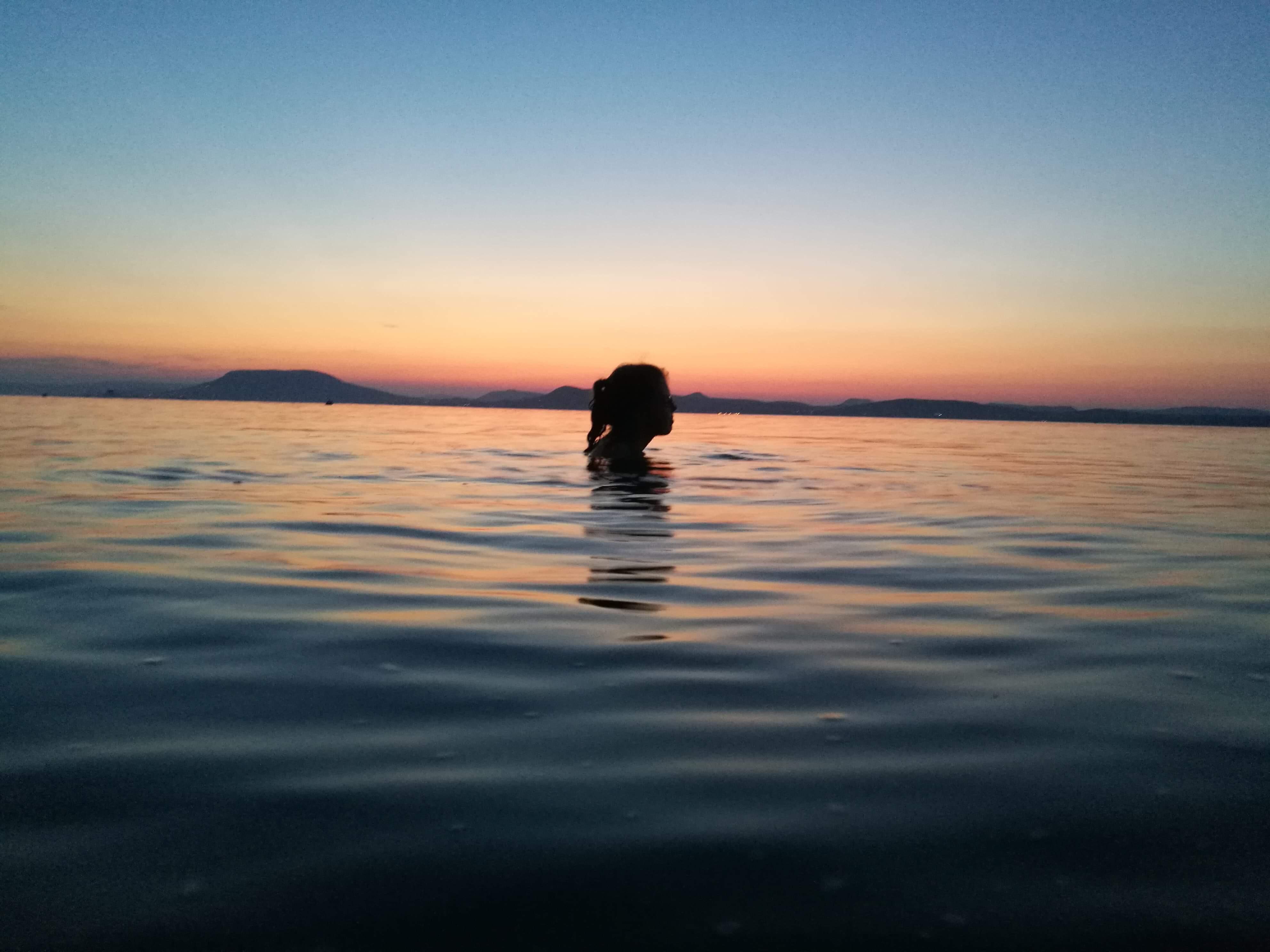 Esti fürdőzés (Olvasói fotó: Filyó Kíra)