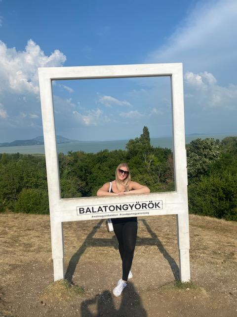 Kautzky Armand lánya a Balatonnál Fotó: Ripost7